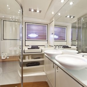ITAMA 62-139_master bathroom